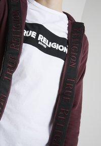 True Religion - HOODED JACKET TRUE TAPE - Mikina na zip - port - 5