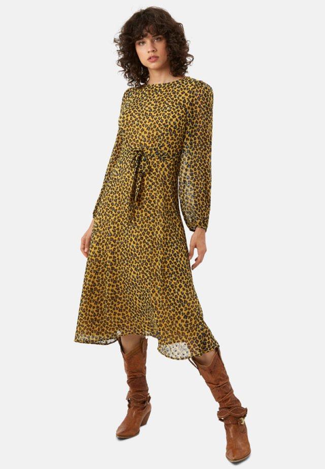 MIT ANIMAL-PRINT - Day dress - mustard