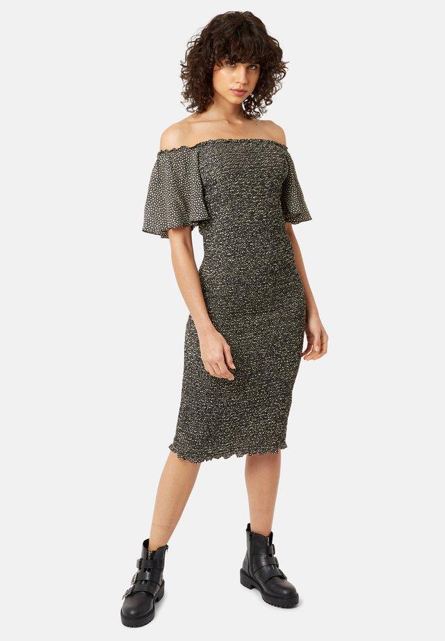 MIT STERNENPRINT - Sukienka z dżerseju - black