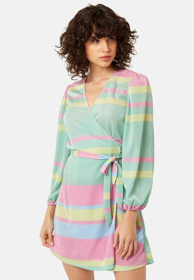 MIT STREIFENMUSTER MEHRFARBIG - Sukienka letnia - multi-coloured