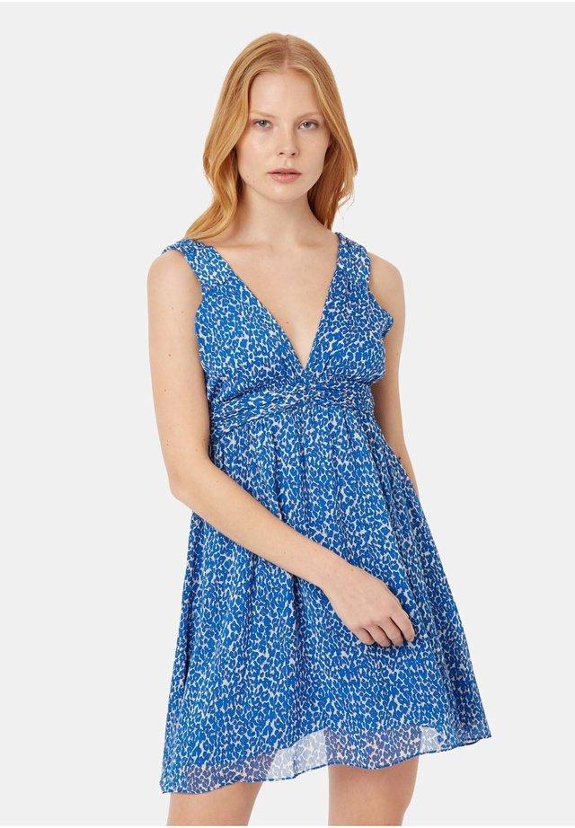 ANIMAL PRINT SLEEVELESS MINI DRESS IN BLUE - Sukienka letnia - blue