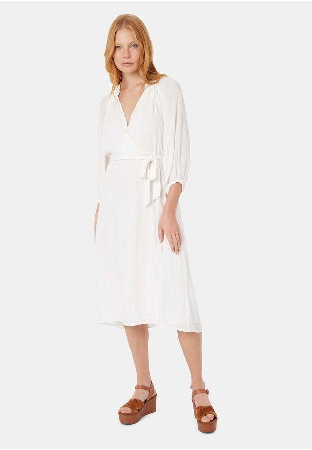 BELT UP LONG SLEEVE IN WHITE - Day dress - white