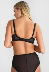 Triumph - BEAUTY FULL DARLING - Reggiseno con ferretto - black - 2
