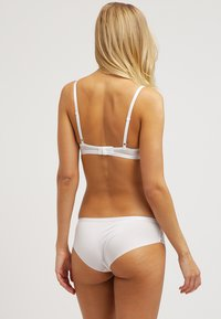 Triumph - SEXY SPOTLIGHT HIP - Figi - silk white - 2