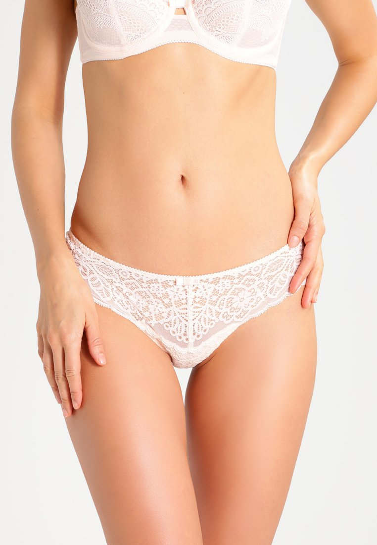 Triumph - AMOURETTE SPOTLIGHT - String - white