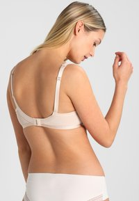 Triumph - BEAUTY FULL IDOL - T-shirt BH - nude beige - 2