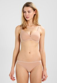 Triumph - BODY MAKE-UP - Reggiseno a triangolo - smooth skin - 1