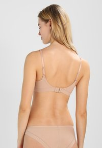 Triumph - BODY MAKE-UP - Reggiseno a triangolo - smooth skin - 2