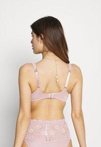 Triumph - TRUE SHAPE SENSATION - T-shirt bra - mauve rose - 2