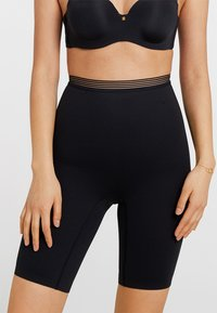 Triumph - INFINITE SENSATION HIGHWAIST PANTY - Shapewear - black - 0