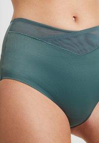 Triumph - TRUE SHAPE SENSATION MAXI - Shapewear - smoky green - 4