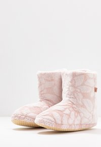 Triumph - ACCESSORIES BOOT - Slippers - desert sand - 4