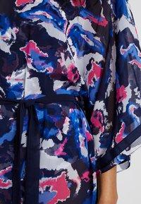 Triumph - VENUS ELEGANCE KAFTAN - Accessoire de plage - blue/dark combination - 5