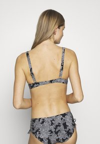 Triumph - CHARM ELEGANCE - Bikini pezzo sopra - black combination - 2