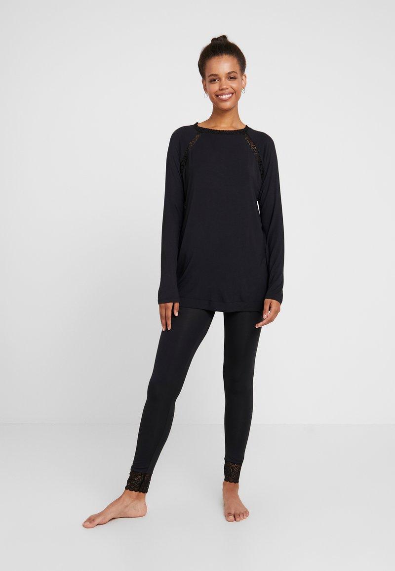 Triumph - AMOURETTE SPOTLIGHT SET - Pyjamas - black