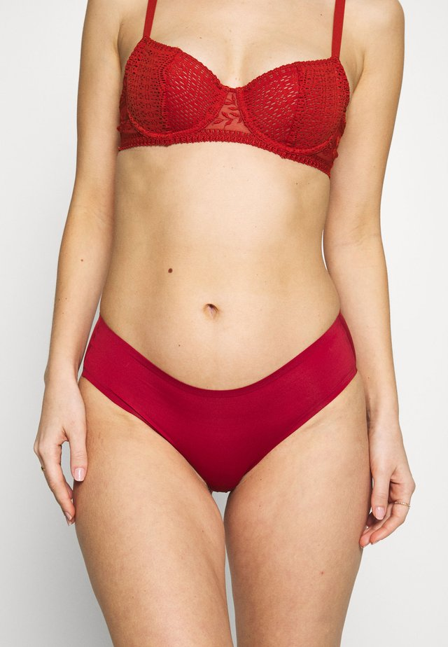 SPORTY HIPSTER - Slip - spicy red