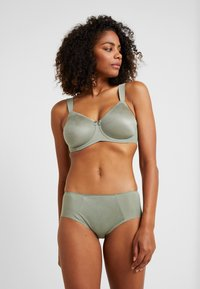 Triumph - ESSENTIAL MINIMIZER HIPSTER - Panties - moss green old - 1