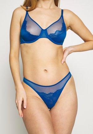 SPOTLIGHT - Stringit - lagoon blue