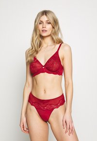 Triumph - AMOURETTE CHARM HIPSTER - String - spicy red - 1