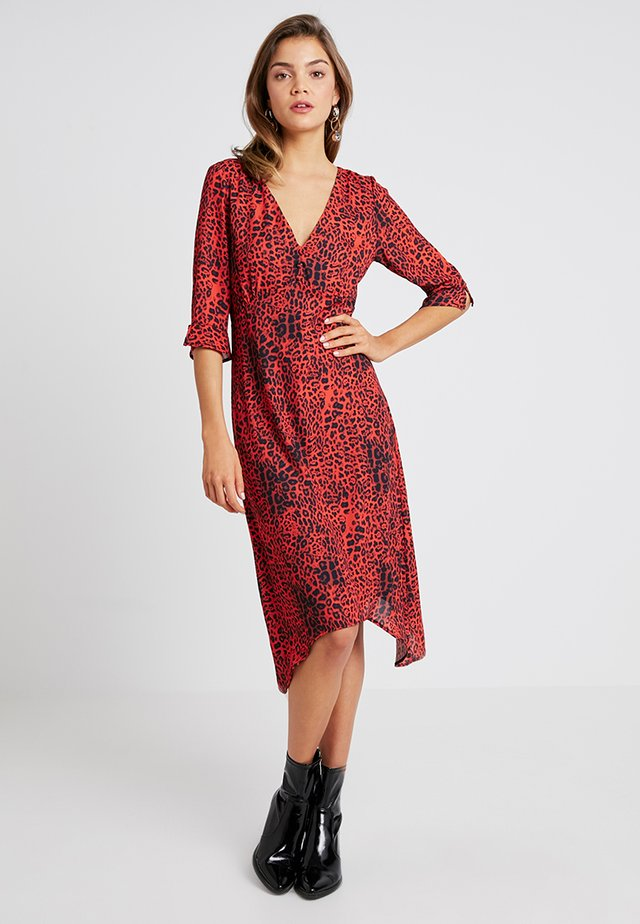 V NECK MIDI - Korte jurk - red