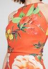 True Violet - TRUE BODYCON DRESS - Robe fourreau - red