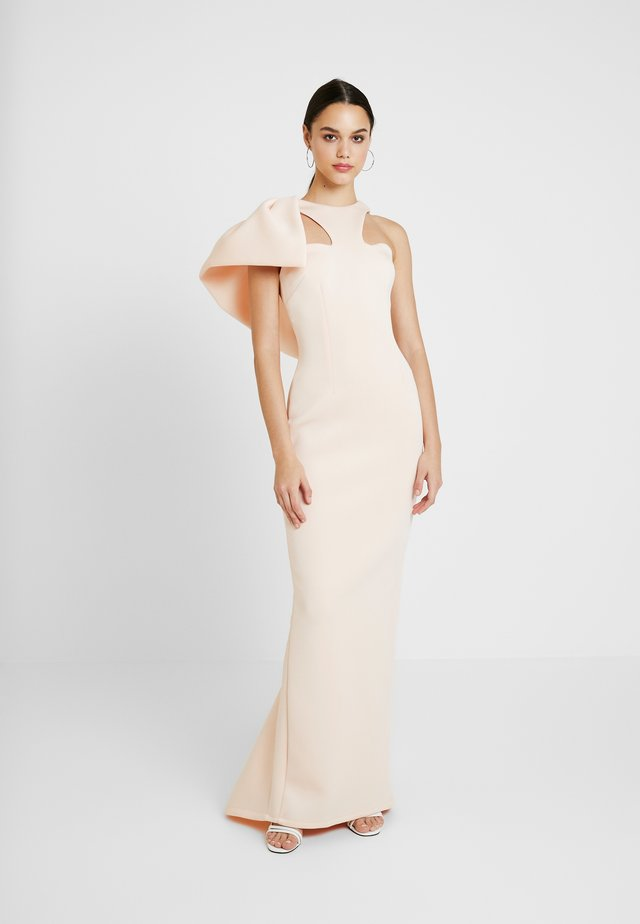 LABEL CUT OUT NECK DRESS - Galajurk - peach