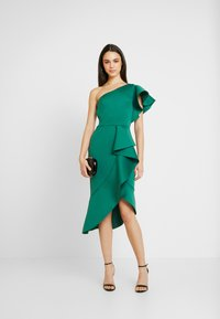 True Violet - TRUE ONE SHOULDER DRESS WITH FRILL DETAIL - Cocktailkjole - green - 2