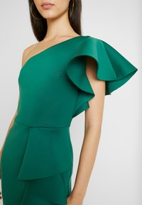 True Violet - TRUE ONE SHOULDER DRESS WITH FRILL DETAIL - Cocktailkjole - green - 5