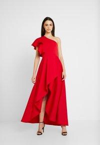 True Violet - TRUE ONE SHOULDER WRAP VOLUME DRESS - Vestido de fiesta - red - 0