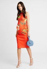 True Violet - HIGH NECK BODYCON DRESS - Etuikjole - orange - 1