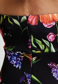 True Violet Maternity - TRUE HIGH NECK MIDI BODYCON WITH PEPLUM - Pouzdrové šaty - black - 4