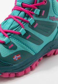 TrollKids - KIDS RONDANE HIKER MID - Hiking shoes - smaragd/rubine - 2