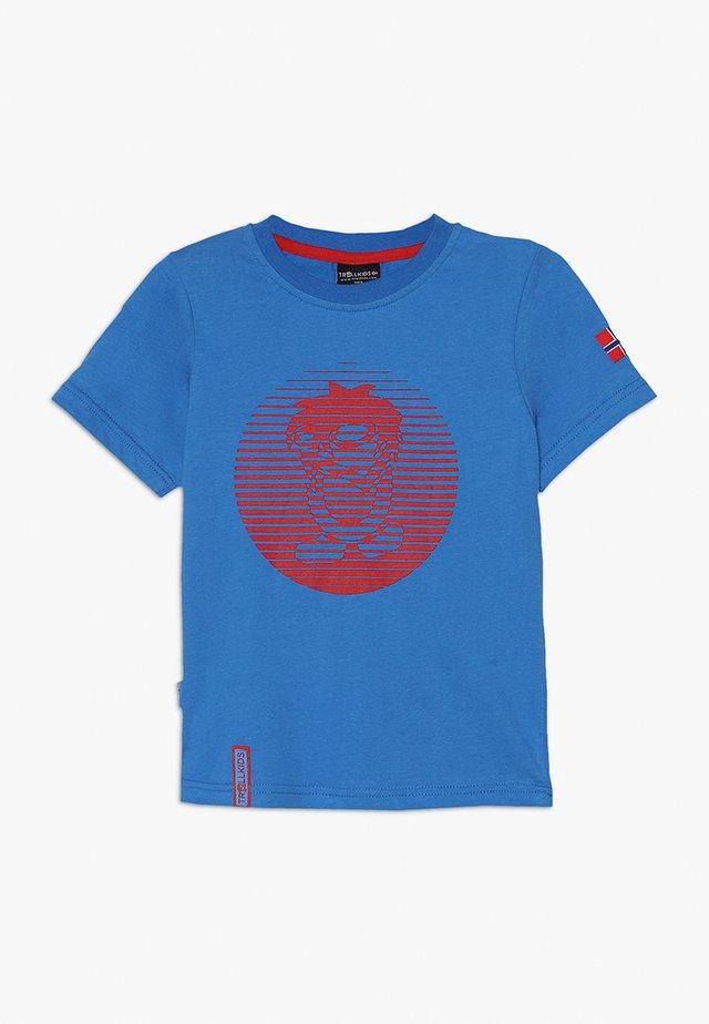 KIDS TROLL - T-Shirt print - medium blue/red
