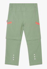 TrollKids - KIDS KJERAG ZIP OFF PANTS - Broek - olive/coral - 1