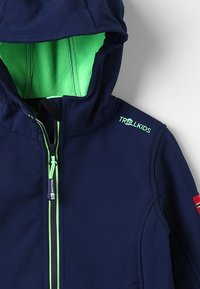 TrollKids - KIDS TROLLFJORD JACKET - Soft shell jacket - navy/light green - 3