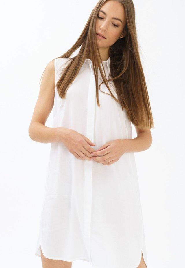 MIT V-AUSSCHNITT - Shirt dress - white