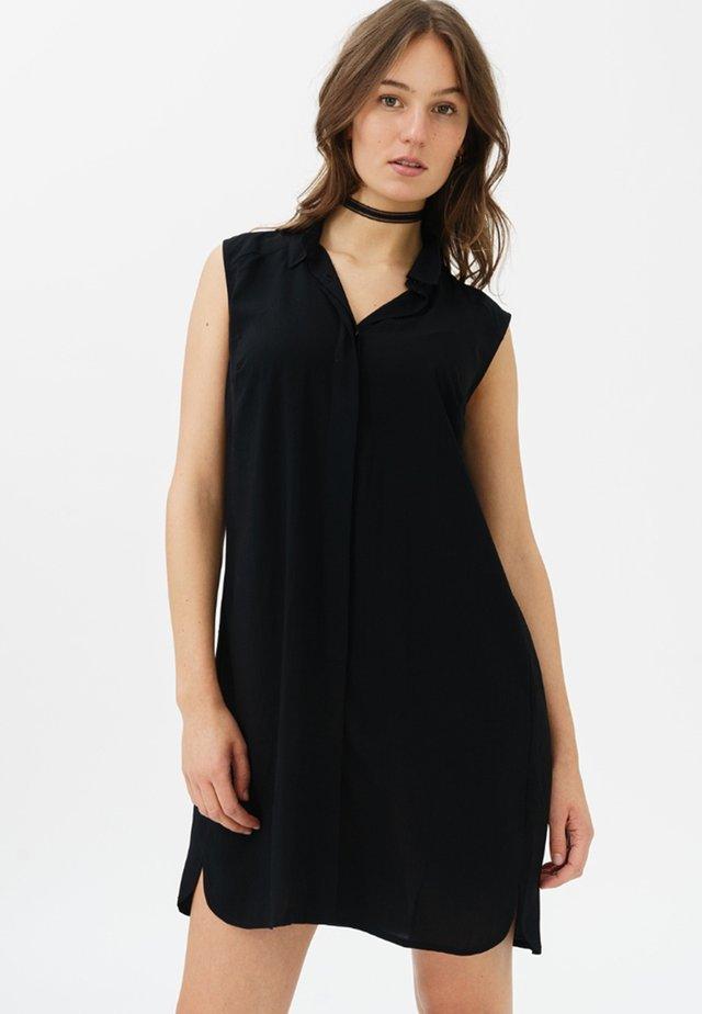 MIT V-AUSSCHNITT - Shirt dress - black