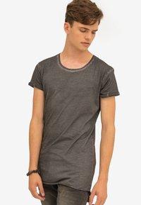 Trueprodigy - Basic T-shirt - anthracite - 0