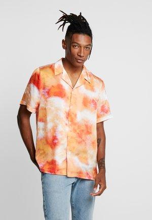 TIE DYE REVERE - Shirt - orange/yellow