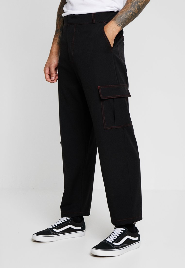 The Ragged Priest - BLACK COMBATS TROUSERS WITH RED TOPSTITCHING DETAIL - Stoffhose - black