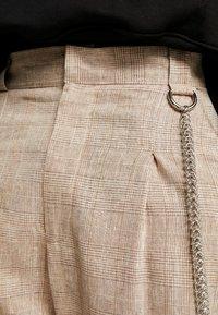 The Ragged Priest - TROUSERS IN BIRGHT  - Pantalon classique - brown - 6