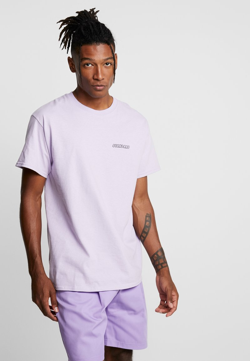 The Ragged Priest - BEHAVIOUR TEE - Print T-shirt - lilac