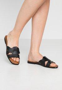 Trendyol - Pantofle - black - 0