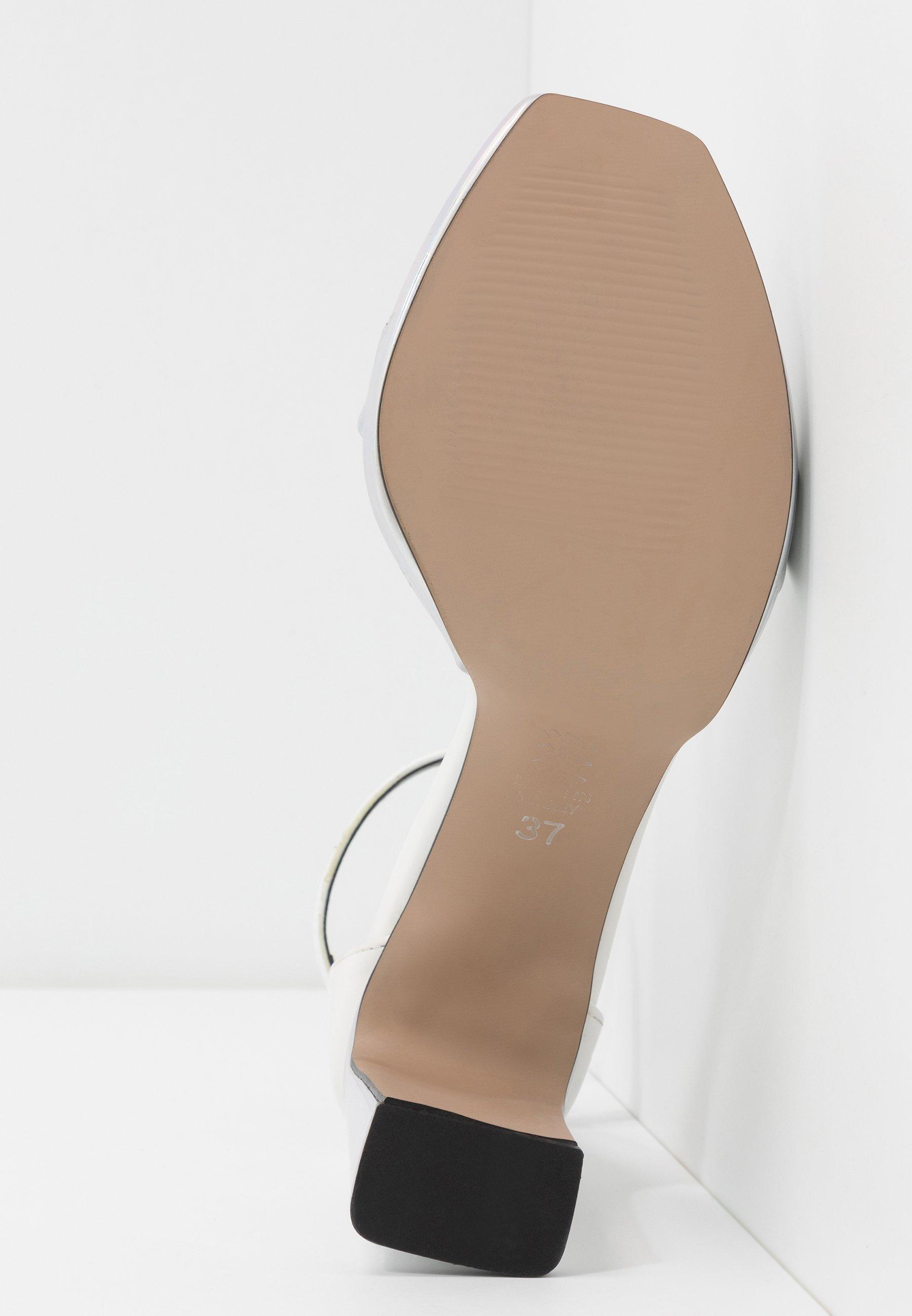 Trendyol Sandaletter - silver