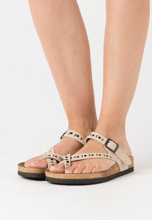 Sandalias de dedo - vizon