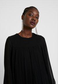 Trendyol - SIYAH - Denní šaty - black - 4