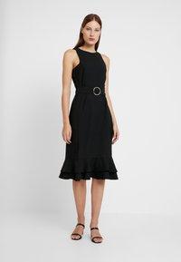 Trendyol - Fodralklänning - black - 0