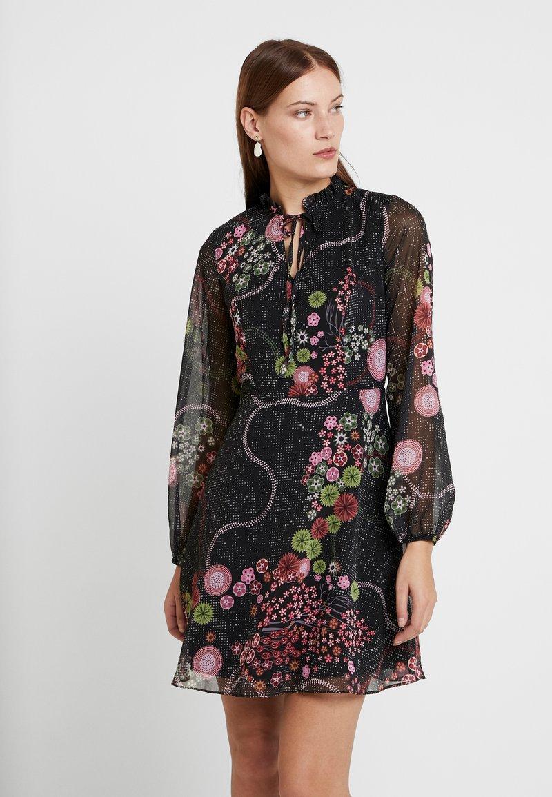 Trendyol - Korte jurk - black