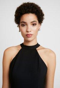 Trendyol - SIYAH - Pouzdrové šaty - black - 4