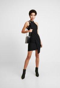 Trendyol - SIYAH - Pouzdrové šaty - black - 2